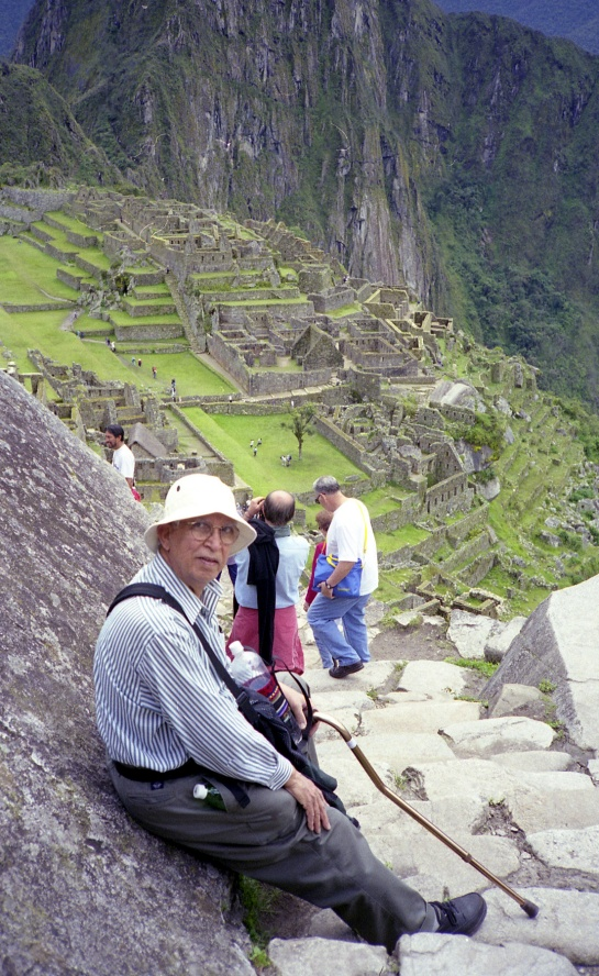 MACHU PICCU - JUST RESTING MY LEG